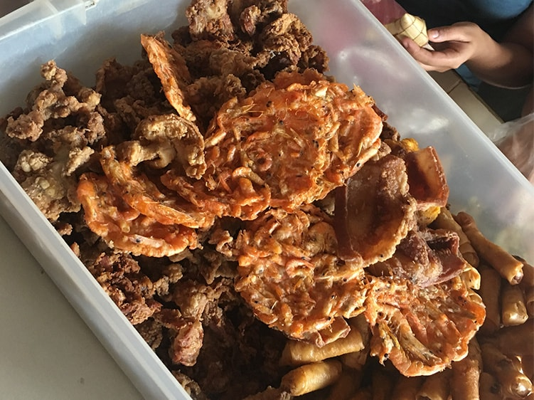 揚げ物だらけのフィリピン料理